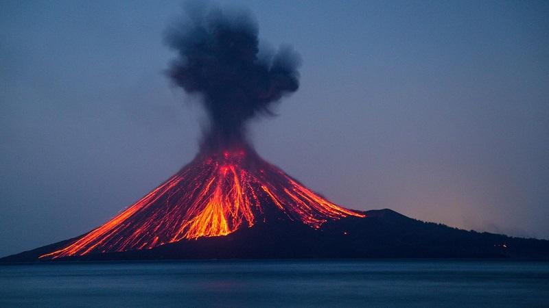 вулкан Кракатау действующий или потухший